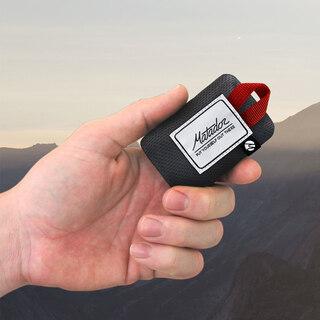 Matador Mini Pocket Blanket Svart/Röd, 110x70 cm